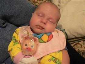 нуууу, вот если бы настоящую свинку подарили, меня бы в сон не клонило :))