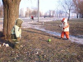 Зимний футбол-наши в ораньжевой форме!