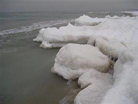за окном зимнее море