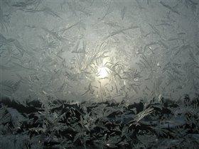 А стаи снежных птиц затягивают морозец по-туже...
