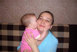 Бабуля, я не кусаюсь, я целуюсь!