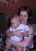 Полинка с мамой