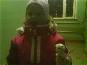 первый снеговичок)))