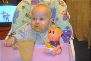 Ели-ели, не спеша, накормили малыша