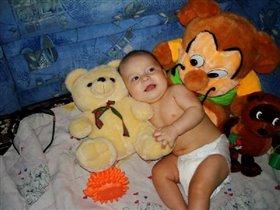 Бобик, Еж,Медведь и я с детства лучшие друзья!
