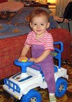 Юная автомобилистка
