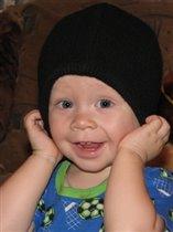 А, шапка - папина ,пускай , немного мне великовата ! Зато какой я в ней большой - УЗНАЮТ ЛИ ребята?!