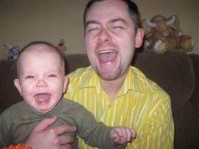Папа и сынок учатся плакать