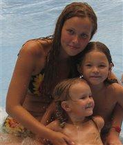 Две дочки - два маленьких цветочка!
