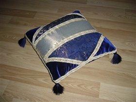 Подушка в восточном стиле