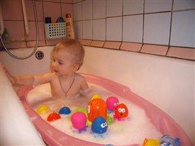 Рисуем пеной на ванне