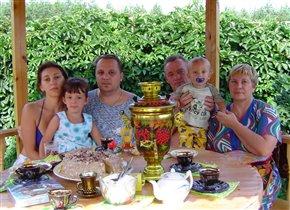 Приходите в гости, мы вас чаем угостим! (в гостях у бабушки и дедушки)