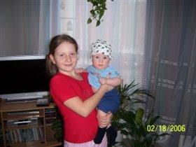 С сестричкой;)))