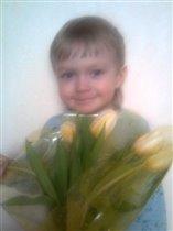 любимой сестрёнке подарю я цветочки...