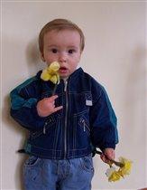 Хороши весной цветочки от любимого сыночка...