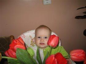 Юля в тюльпанах!