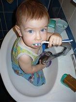 Береги зубы с молоду!