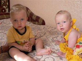 Брат и сестричка