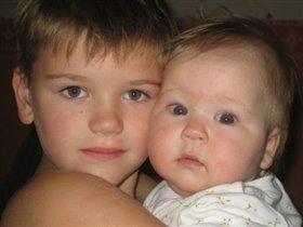 Двоюродные братик и сестренка