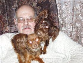 Напузнички, или большие дяденьки тоже любят маленьких собачек:)