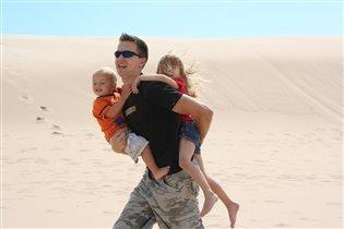 Папа - лучший корабль пустыни!