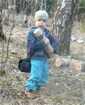 Помогу маме дрова отнести=)