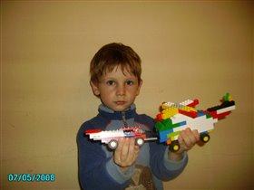 Вырасту - буду строить настоящие самолеты!