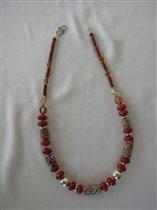 Бусы из Trade Beads с коралом и серебром