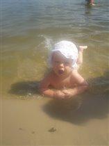 'в речки я люблю купаться и на берегу валяться'