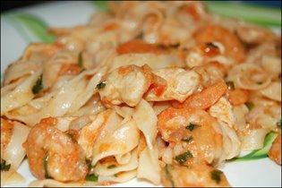 паста с курино-креветочным соусом