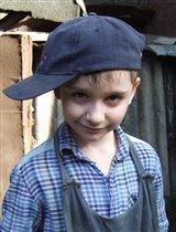 Я бродяга-работяга и одета на мне залихвацкая кепка моя...