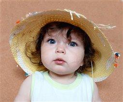 И Дашки носят шляпки:)
