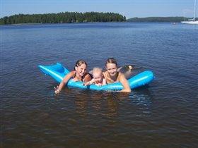 Вместе плавать веселее!)))