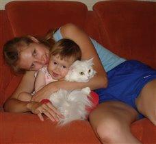 Мама, кошка и Я дружная семья!!!