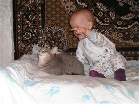 С любимой кошкой Ксюшей.