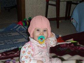 Вот, какую шапочку мне мама связала!