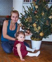 С мамой под елкой