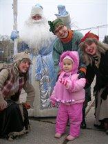 С дедом Морозом и бабками - ежками