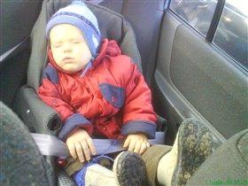 Ничего не могу с собой поделать!Как сяду в машину,так-сплю!