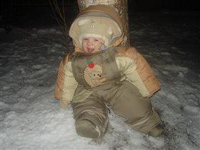Уже большой: гуляю сам на улице))) Артем, 8 месяцев