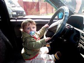 Антон водитель