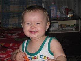 Голливудская улыбка во все четыре зуба)))
