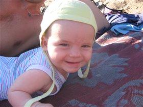 я на солнышке лежу и на мамочку гляжу