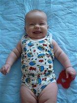 Очаровательная улыбка маленькой малышки!
