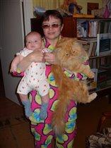 и вторая бабушка с домашними питоцами