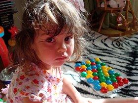 Нелегко убирать за собой игрушки!