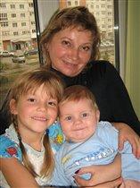 Бабуля-красотуля и внучата-крохотули!