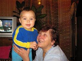 Максюша с прабабушкой