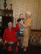 С любимыми прабабушками