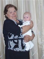 с любимой бабушкой в 3 месяца